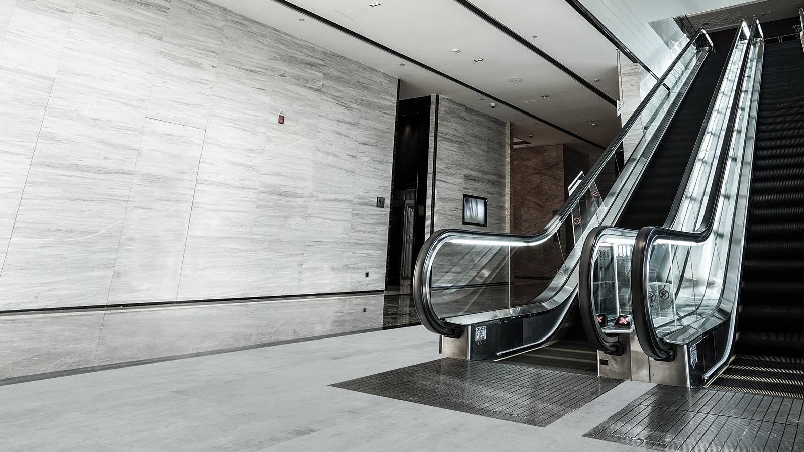 Pavimenti Moderni Senza Fughe pavimenti effetto pietra: forza e versatilità per le