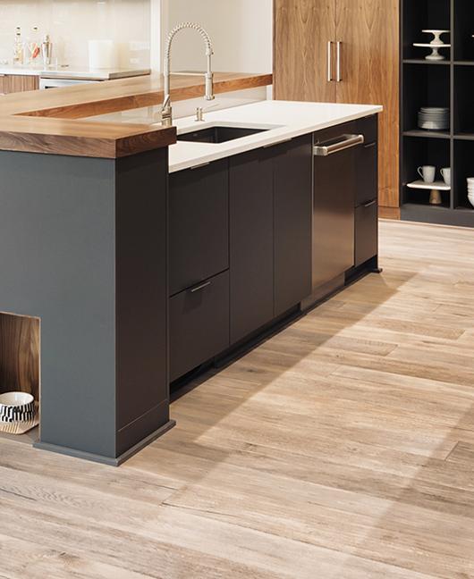 Dal rivestimento cucina ai pavimenti: progettare una cucina efficiente